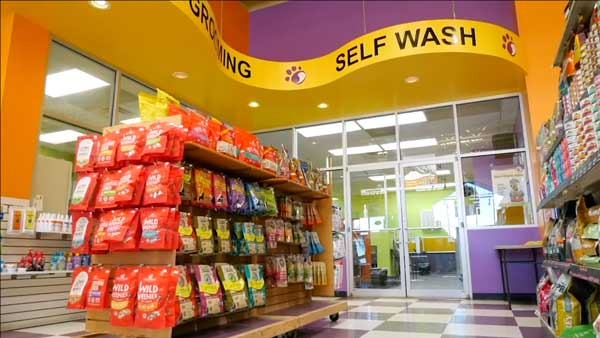 Natural Dog Foods Near Me - Wag N' Wash